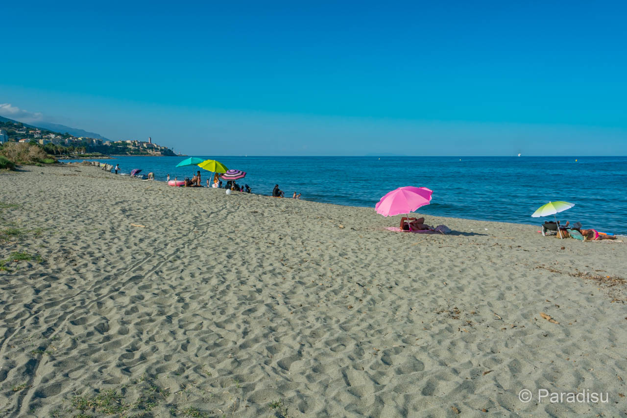 Strand Vor Dem Campingplatz Mit Blick Auf Bastia