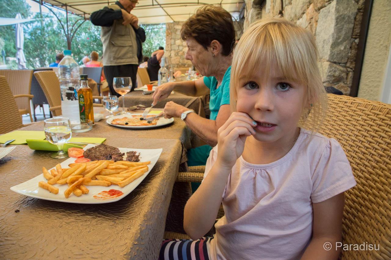 Essen Korsika Kindermenü