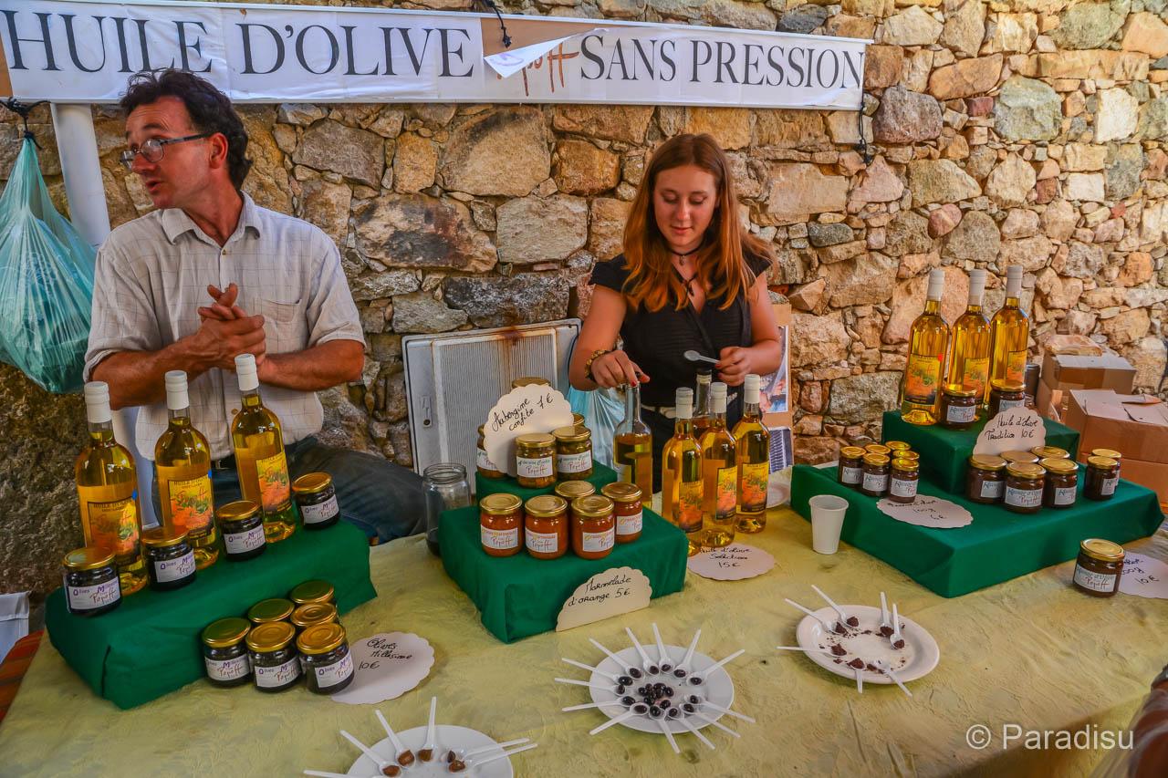 Souvenir aus Korsika: Olivenöl
