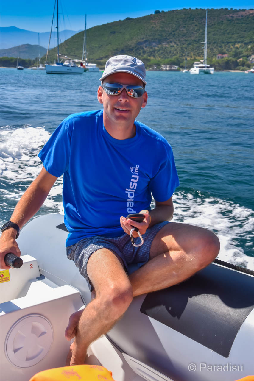 Mit Dem Schlauchboot Von Saint-Florent Zum Saleccia Strand