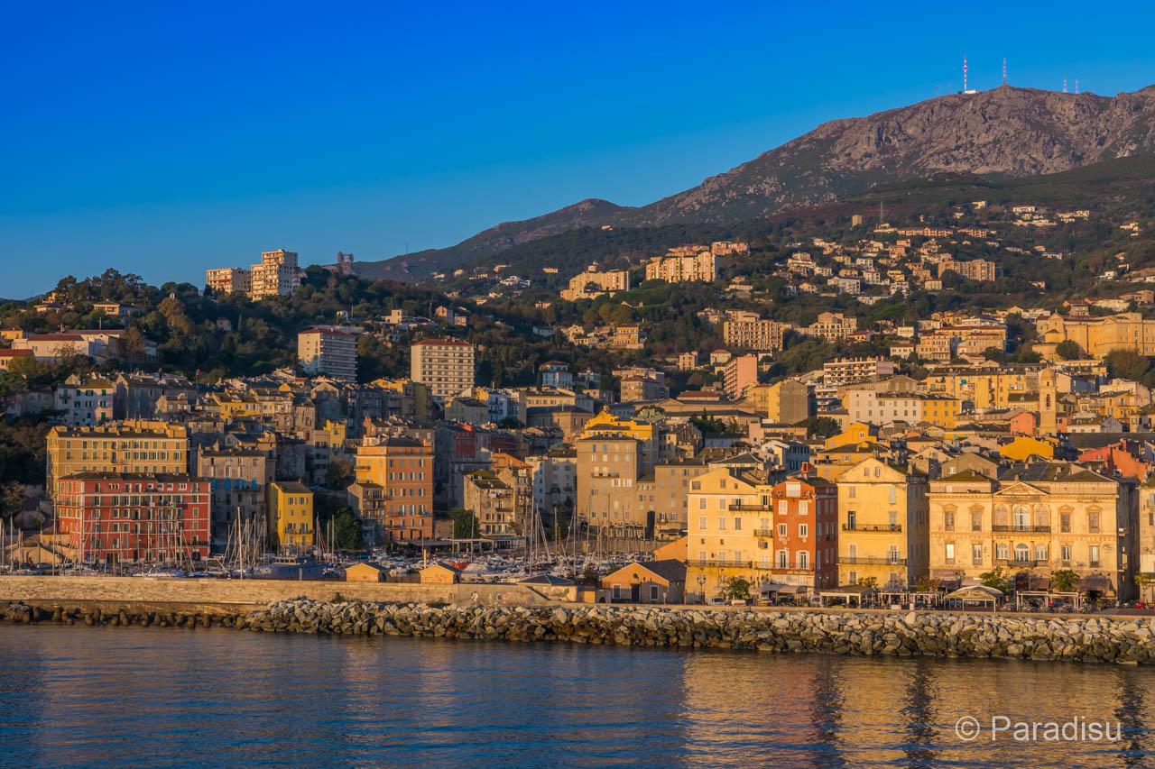 Bastia mit Serra di Pigno