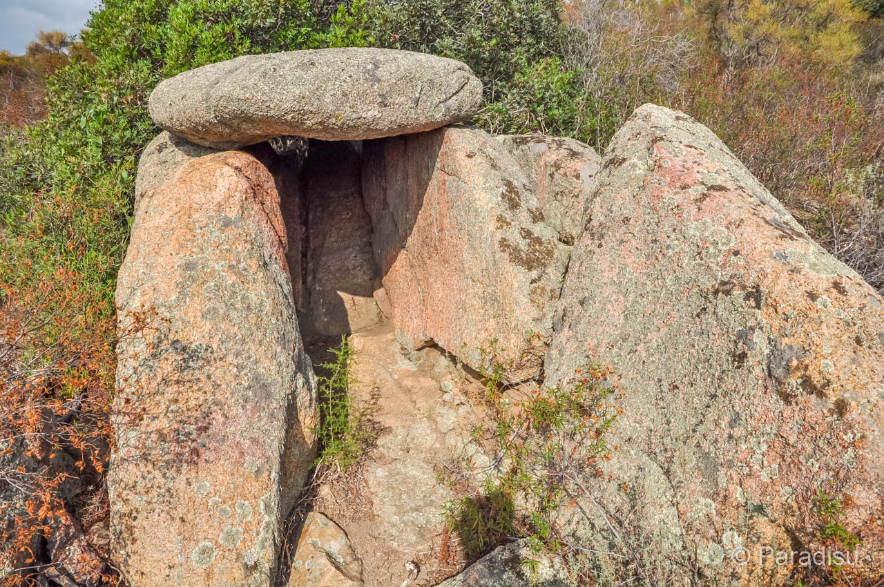 Korsika Geschichte Dolmen
